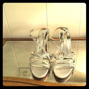 NWT Badgley Mischka Silver Embellished Sandals
